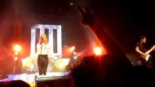 Fast In My Car - Paramore live @ The Wiltern [May 1, 2013]