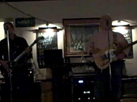 Cy Tucker 2, Liverpool Duo, Cy Singing Eyes Of Blue (Paul Carack)