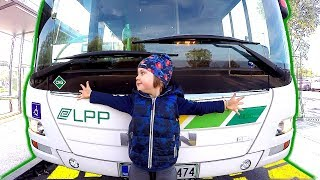 School Bus & Kids Ride On Bus The Wheels on the Bus Song Nursery Rhymes Songs for Children Babies