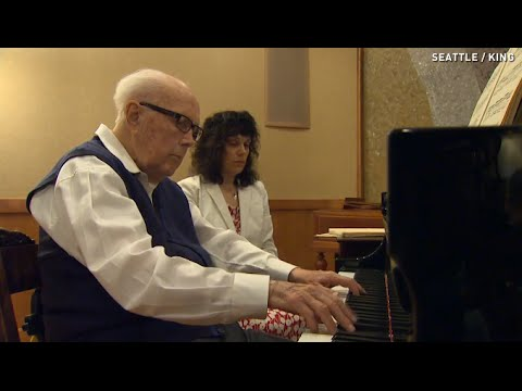100-year-old pianist is so good he makes people cry