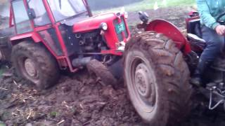 IMT 558 izvlacenje stajnjaka 3.deo - Pulling the trailer from mud after a rainy day part 3