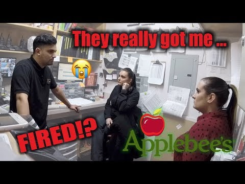 APPLEBEES MANAGERS FIRE MY BOYFRIEND PRANK!!!  (MUST WATCH REACTION)