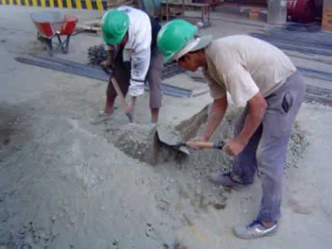 Tp batido de mezcla de concreto a mano youtube for Mezcla de hormigon