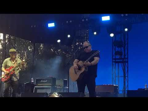 """The Pixies """"Here Comes Your Man"""" live at Pasadena Daydream 8/31/19"""