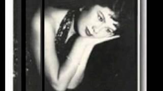 火の接吻 ペギー葉山 レコードデビュー曲『ドミノ』の裏面、進駐軍キャ...
