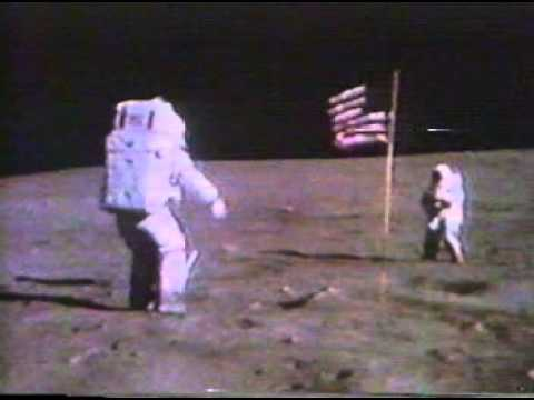 A Comprehensive Guide to the Physics of Running on the Moon