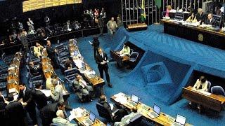 PEC 55 aprovada; Emenda prevê punição a juízes e promotores