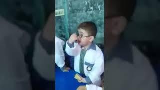 "Ye Mera  Basta (Bag) Hai ""Pathan Ka Bacha"" Teacher ko Dant te hue (Funny Viral Video)"
