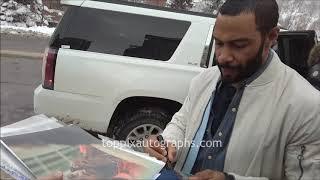 Omari Hardwick signs autographs for TopPix
