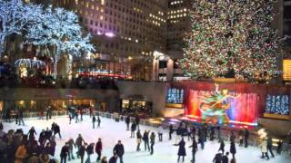 "Bebe & Cece Winans ""White Christmas"""