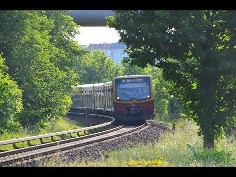 Triebwagen und Straßenbahnen in Friedrichsfelde Ost