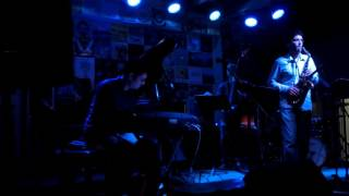 "Salhov-Behroozi 4-Tet playing Dahveed's tune ""Out of this World"""
