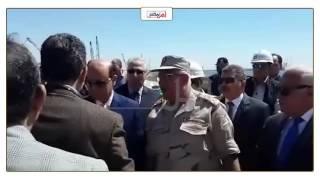 'مميش' ووزير النقل يتفقدان الأرصفة البحرية بميناء شرق بورسعيد (فيديو وصور)