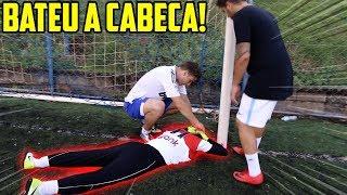 O ARTHUR BATEU A CABEÇA NA TRAVE JOGANDO FUTEBOL!! ( #melhorasmito )