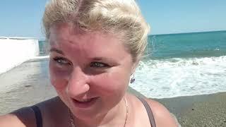 Сезон 2020 В Крыму Шторм на Черном Море Отель Riviera Sunrise Resort в Алуште Пляж Море Бассейн