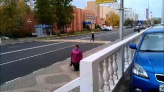 видео Для чего устанавливают на дорогах лежачих полицейских? Что этим добиваются?