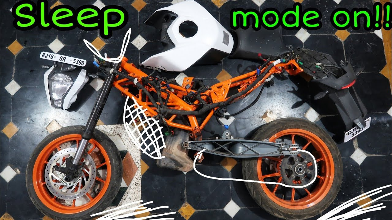 Part 3 : KTM Duke 390 Build : Removing The Chassis