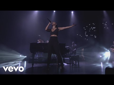 Alicia Keys  Try Sleeping with a Broken Heart  from iTunes Festival, London, 2012