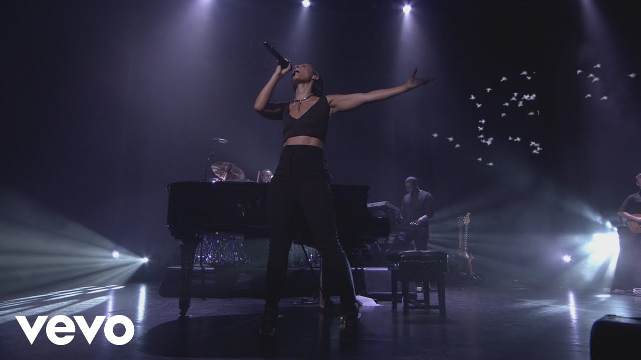 Download Alicia Keys - Try Sleeping with a Broken Heart (Live from iTunes Festival, London, 2012)
