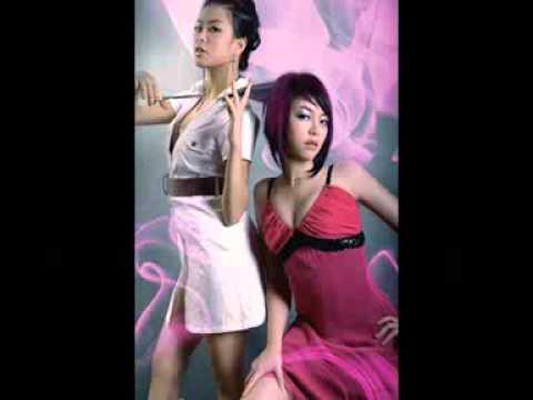 Dance - Hoang Thuy Linh va Thuy Top ai goi cam hon.flv
