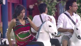 Priyanaka Jagga Pees Herself During The Task - Bigg Boss India - Big Brother Universe