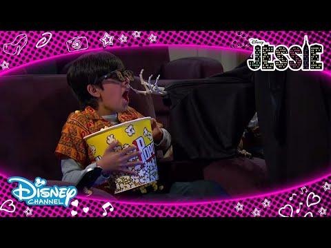 Jessie | Luke, Ravi Ve Bay Kipling'i Korkutuyor😂| Disney Channel TR