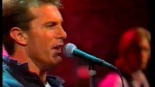 James Reyne - No Such Thing As Love - Live 1989