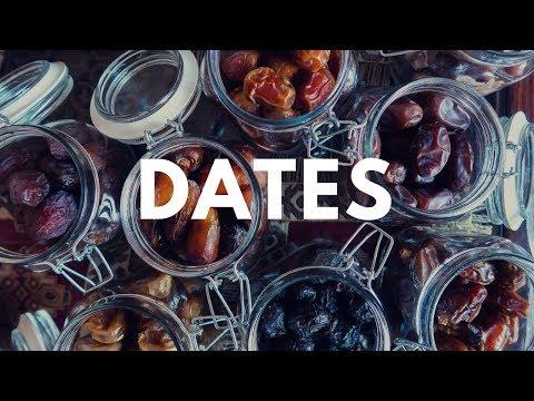 DATES IN SAUDI ARABIA | taste testing with my sibiling انواع التمر في السعودية
