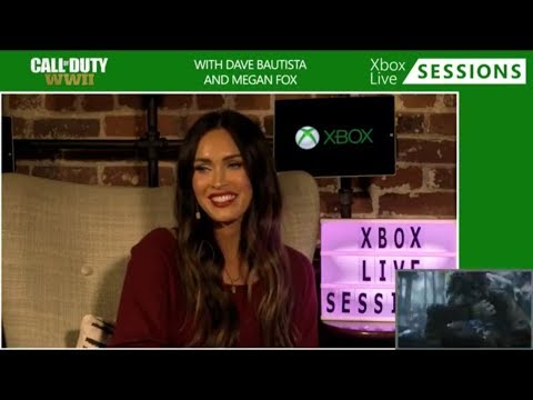 Megan Fox playing Call of Duty WWII | Xbox Live Sessions