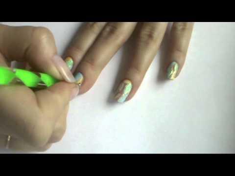 Простой рисунок на ногтях Роза 3