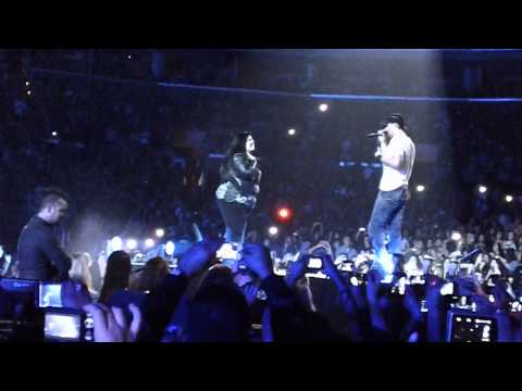 Hero - Enrique Iglesias staples 10/6/2011 Travel Video