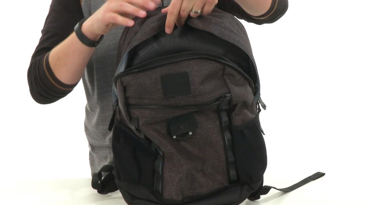 c5b7b4f224 Oakley Voyage 22L Backpack SKU 8791633 - YouTube