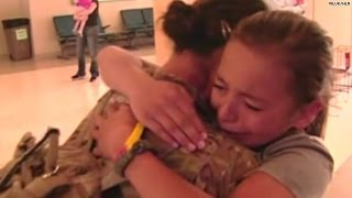 Army mom and dad surprise kids with homecoming!
