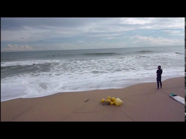 Temporal de mar amb surfistes Badalona - Octubre 2016