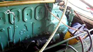 Starting Detroit Diesel 671 Gray Marine Boat Engine