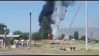 В городе Жалал-Абад горит нефтебаза/Жалал Абадда нефтебаза өрттөнүп жатат