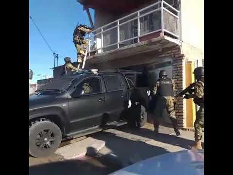 El extraño video de la policía chubutense para presentar un operativo