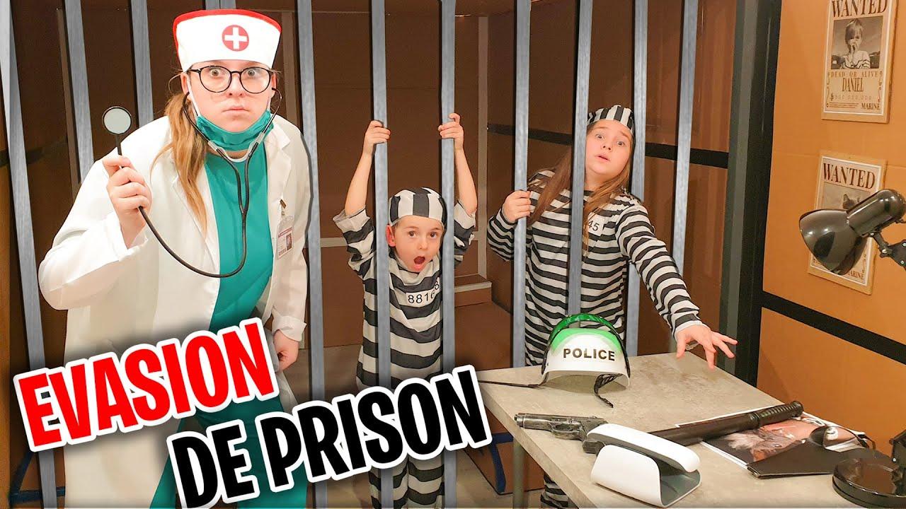 La Grande Evasion De Prison ! Elina Aide Amélya De S'échapper D'Une Prison En Carton !