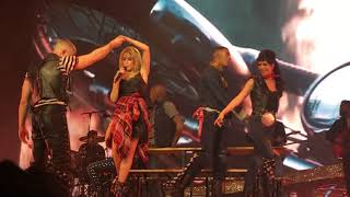 Kylie Minogue - Wouldn't Change A Thing/I'll Still Be Loving You (Live)