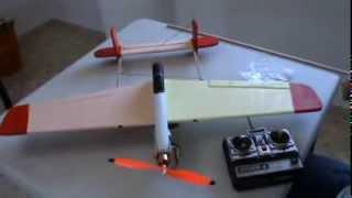 Arahal  Segundo avión en poliestireno extruido  Ramos