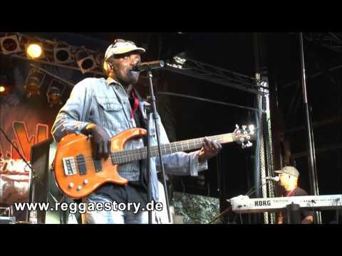 Lloyd Parks & We The People - 4/4 - Slaving + Mafia - Reggae Jam 2013