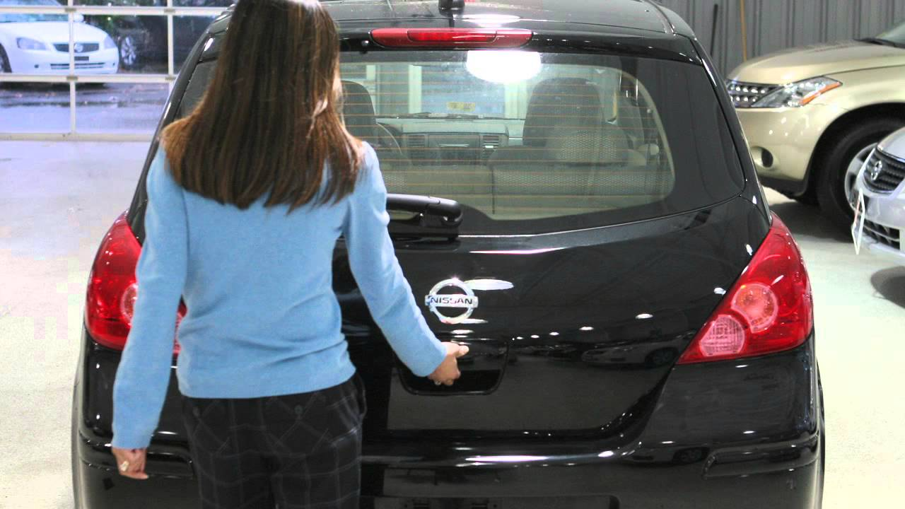 2012 Nissan Versa Hatchback Hatch Release Youtube 02 Escape Fuse Box
