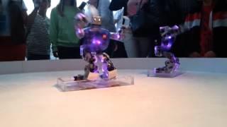 Роботы танцуют!!!(Небольшое видео к выпуску о шоу роботов,подпишитесь если не хотите пропустить., 2014-06-28T19:55:50.000Z)