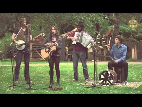 Tessa Rose Jackson - Kings Horses (The Village Sessions)