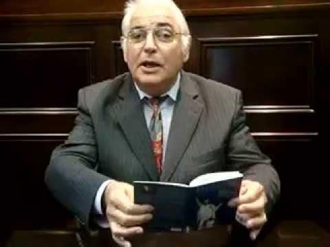 Louis Melennec A Bruxelles En 2009 Presente Le Livre Bleu De La Bretagne