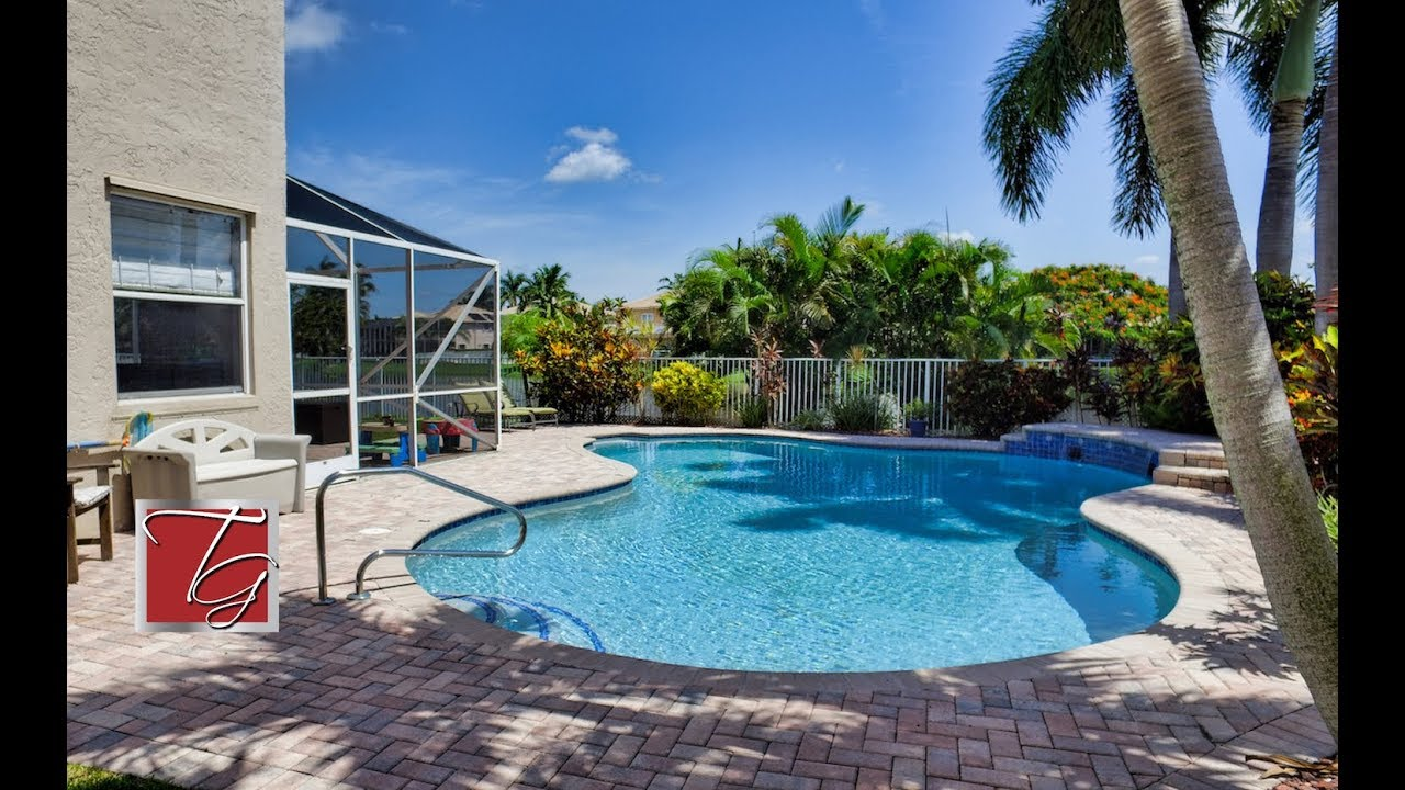 6635 Ashburn Rd Lake Worth Fl 33460 Waterfront Pool Home For In Palm Beach