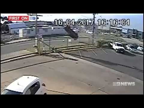 Teens flip car multiple times at Hoppers Crossing