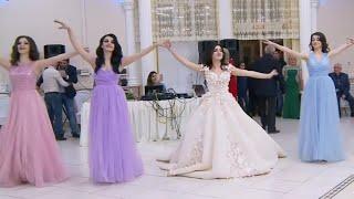 naino-ki-to-baat-naina-jaane-hai-female-version-awesome-love-song-new-movie-song
