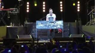 Axel en concierto: Verte Reír / Tkm Liv...