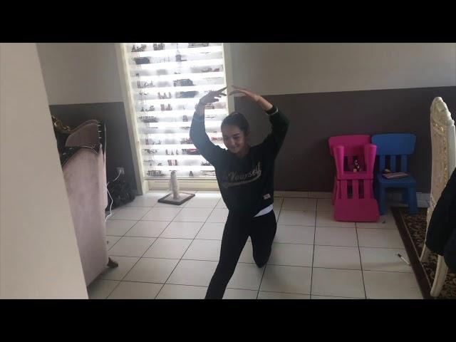 De dansafdeling van de Academie Hamme heeft er een dansketting van gemaakt!